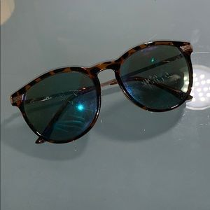 Accessories - Cheetah Sunglasses with Blue mirror lens